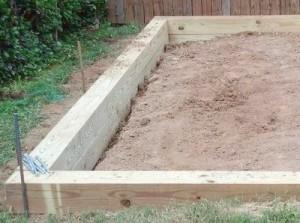 Деревянный ленточный фундамент под теплицу