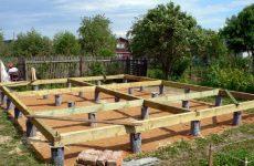 Как построить своими руками фундамент для деревянного дома?