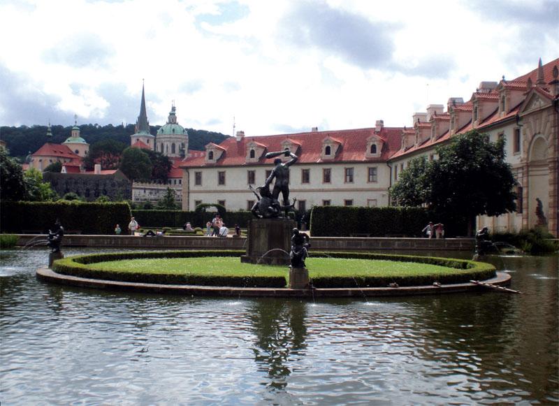 Сад занимает площадь 1,7 га (Фото: Ольга Камоликова, Александр Прима)