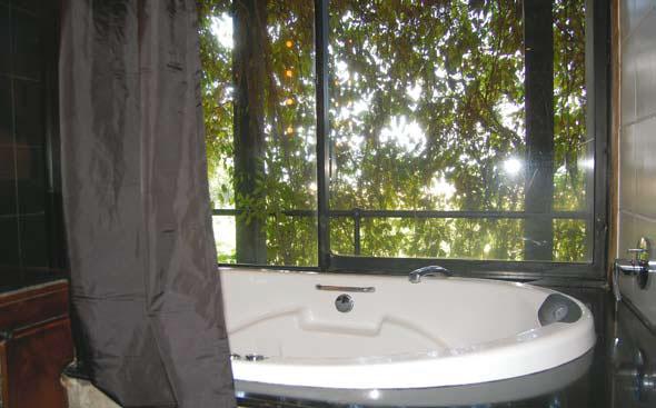 Ванная в эко-отеле