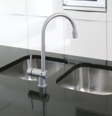 Большинство современных месителей умеют экономить воду