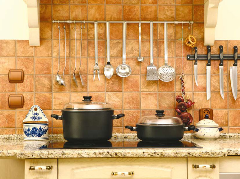 Керамическая плитка самый популярный кухонный фартук