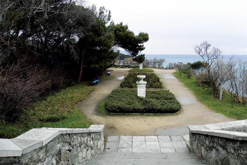 Приморская часть парка с выходом на пляж