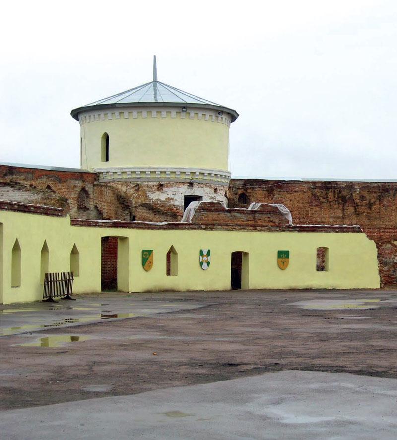 Внутренний двор крепости - манежа