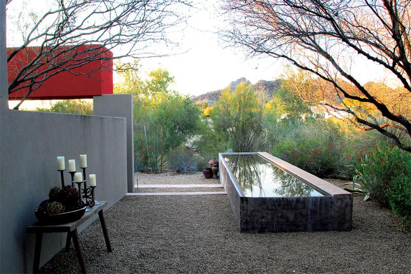 Сад по мотивам архитектуры Луиса Баррагана, Аризона (США). Бюро Steve Martino Landscape Architec