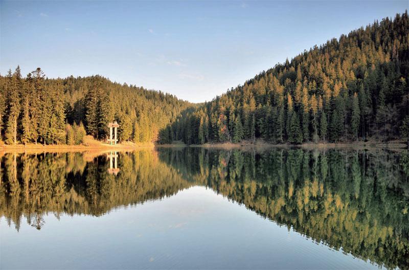 Самое большое и самое красивое озеро Карпат (Фото: Александр Прима)