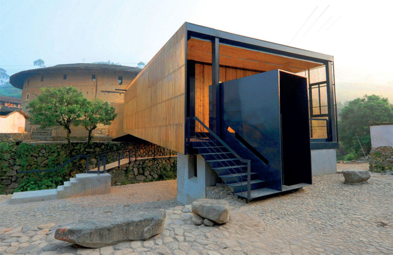 «Школа-мост» в Сяши (Li Xiaodong Atelier) (Фото: Aga Khan Award for Architecture)