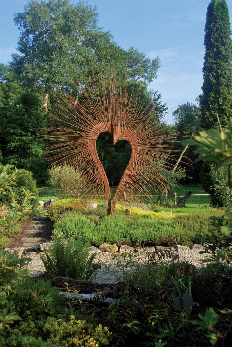 Скульптура - украшени для сада (Фото: Галина Дюговская, Нарцисс Пирецкий)