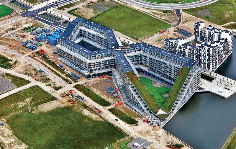 Новый жилой комплекс Копенгагена 8 House архитектурного бюро BIG (Фото: Dragor Luftfoto)