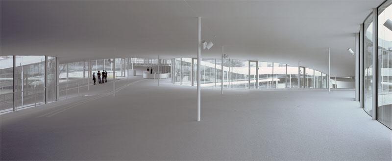 Навчальний центр Rolex (Лозанна, Швейцарія, 2009) (Фото: Hisao Suzuki, Courtesy of SANAA)