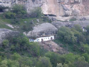 Пещерный город и монастырь в Чуфут-Кале. Украина, Крым
