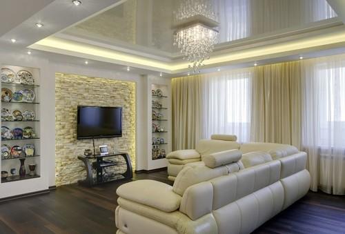 Какой натяжной потолок выбрать в гостиную