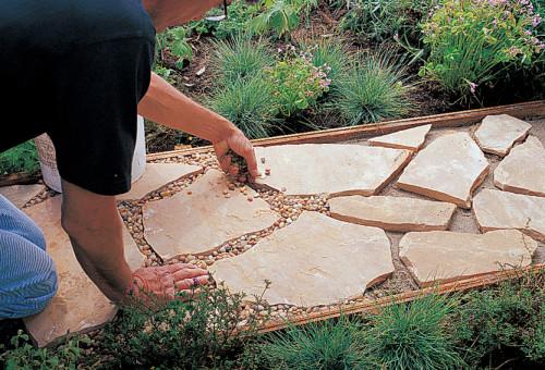 Садовые дорожки из плитняка своими руками