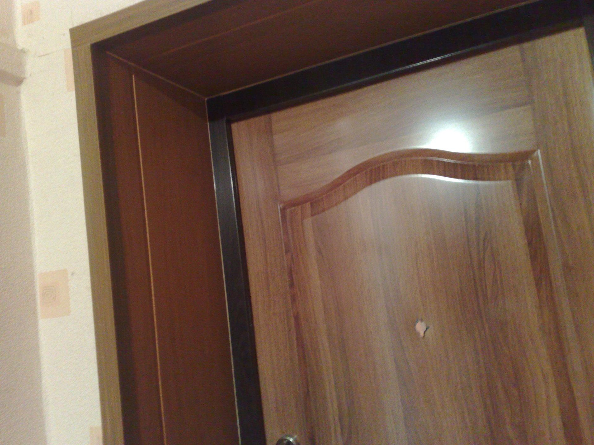 Как установить входную дверь в квартиру