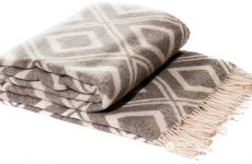 Как правильно выбрать текстиль и пледы для дома в Омске?