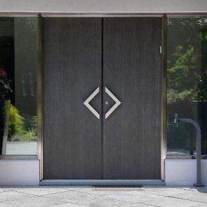 Двери в Алматы – выгодно и качественно
