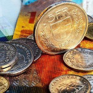 Какую валюту стоит покупать или продавать в Алматы?