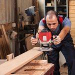 Вызов плотника на дом: в каких случаях это делается?