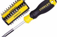 Строительные инструменты – отвертка, рулетка, бита