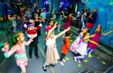 Как весело провести детский праздник в домашних условиях?